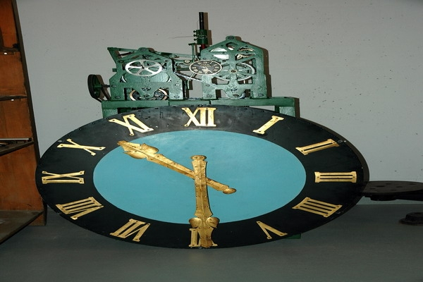 Chloesterli, Letztes Uhrwerk Marienkirche, ein Zifferblatt