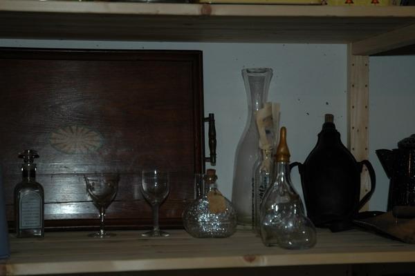 Glaeser und Flaschen